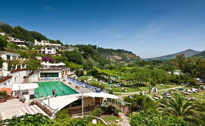 spa and food very close to napoli